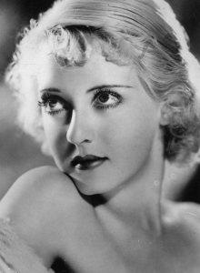 Old_Hollywood_beauty_secrets_hacks_Bette_Davis