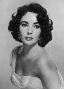Old_Hollywood_beauty_secrets_hacks_Elizabeth_Taylor