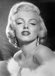 Old_Hollywood_beauty_secrets_hacks_Marilyne_Monroe